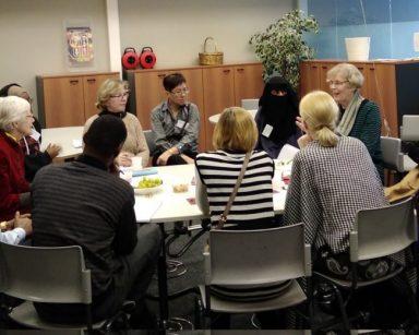 Seniorit ja maahanmuuttajat Tehdään yhdessä -hankkeessa